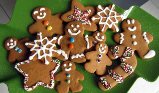 Gingerbread-Christmas-Treats-640x375